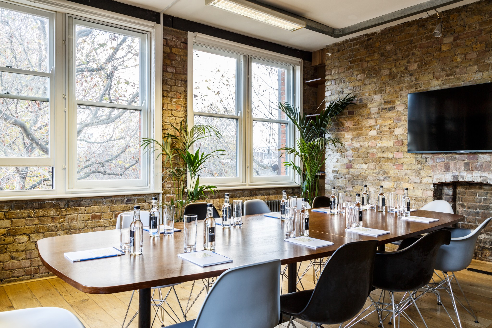 Cool London Meeting Rooms Function Fixers