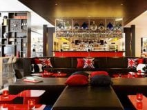citizen-m-hotel-1-citizenM-London-bar-lounge