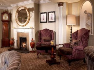 macdonald-compleat-angler-hotel-marlow-on-thames_140420100914293158