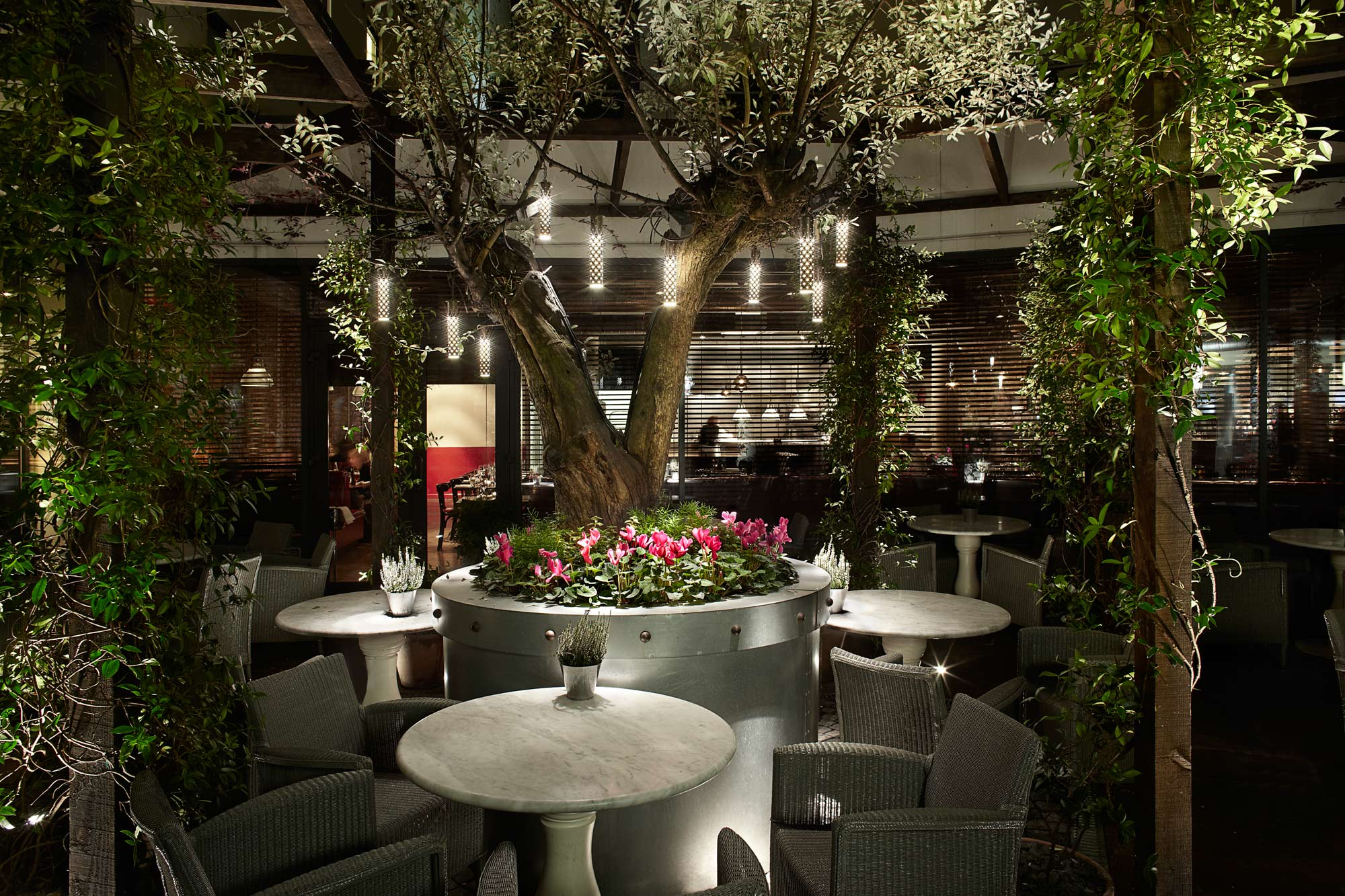The Perfect London Venue For Your Winter Garden Party Function Fixers