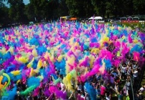 picresized_1375743934_curious_mum-HOLI-festival